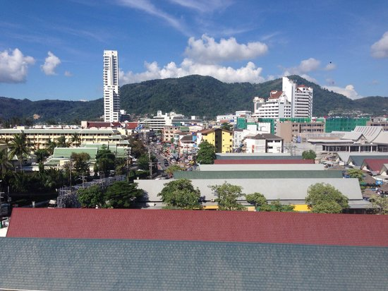 Ashlee Hub Hotel Patong: view from my room 7th floor