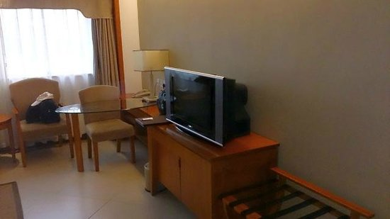 New Osroc Hotel: old crt tv !!??
