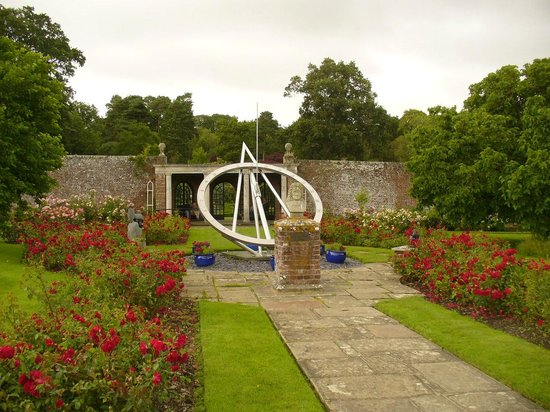 The Observatory Science Centre: The gardens