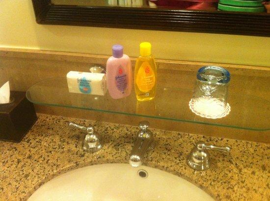 Four Seasons Resort Sharm El Sheikh: Kids toiletries ready in room