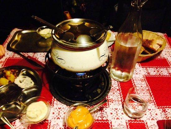 fondue bourguignonne - Foto di Cantina Tirolese, Roma - TripAdvisor