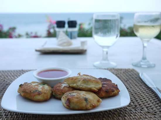 Sails Restaurant: Fish cakes and riesling