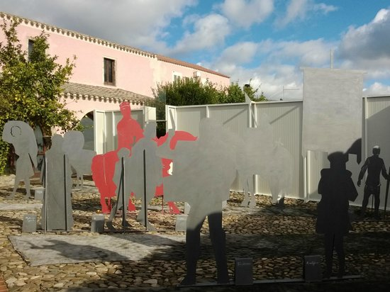 Las Plassas, Włochy: Il cortile del museo