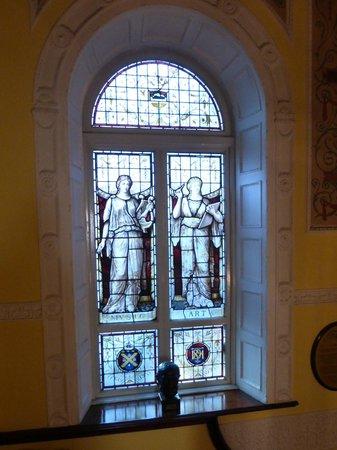Dublin Writers Museum: Stain Glass Window in Museum