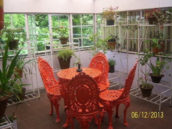 Travellers' Inn : Flower/Tea House
