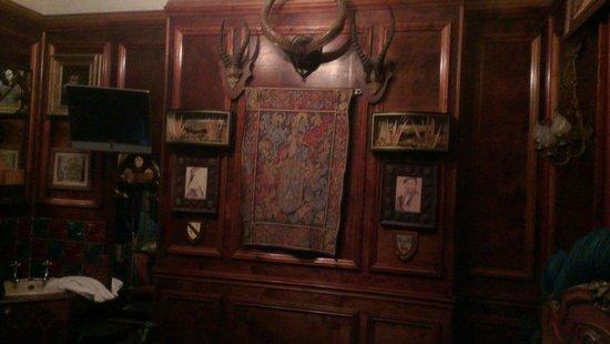 Pavilion Hotel: Antlers, Highland Fling