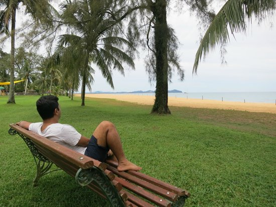 Club Med Cherating Beach: View from the lawn in front of our room