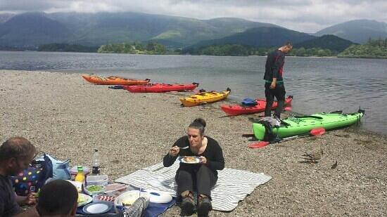 Tall Bloke Adventures: Island lunch break