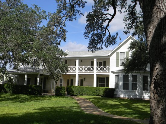 Lyndon B. Johnson State Park & Historic Site: Texas White House 2