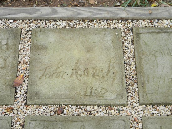 Lyndon B. Johnson State Park & Historic Site : JFK signature in cement