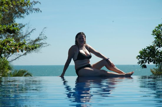 Victoria Phan Thiet Beach Resort Spa Infinity Pool