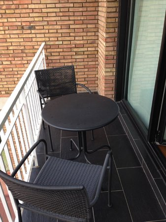 U232 Hotel : balcony