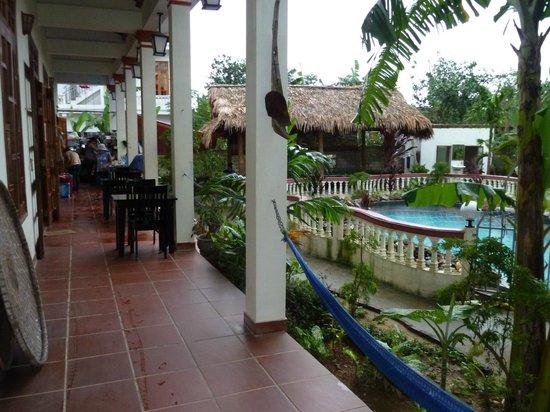 Phong Nha Farmstay: back porch