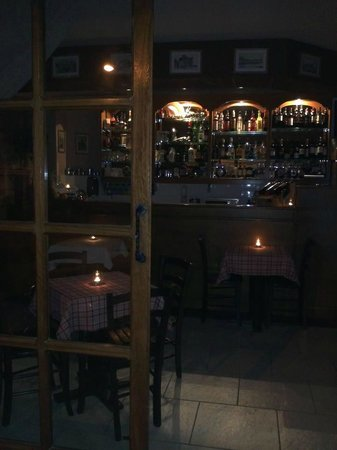 CapuVino: The interior of the shop at night(Perfect for a speatial outing with that speatial someone)