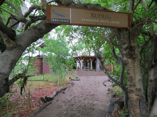 andBeyond Xudum Okavango Delta Lodge: Entrance area