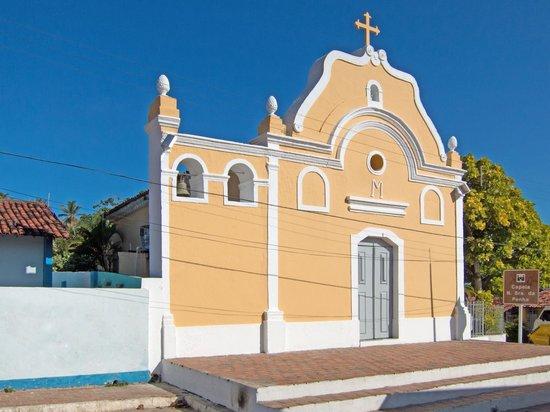 Barra de Catuama Beach: Capela Nossa Senhora da Penha, Barra de Catuama