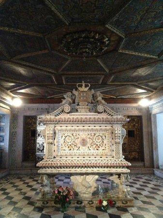 Museu de Aveiro : Túmulo de Santa Joana