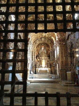 Museu de Aveiro : Igreja vista pelo interior do museu