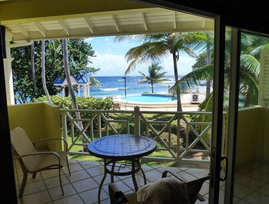 Magdalena Grand Beach & Golf Resort: View from room Balcony of local Pool and sea