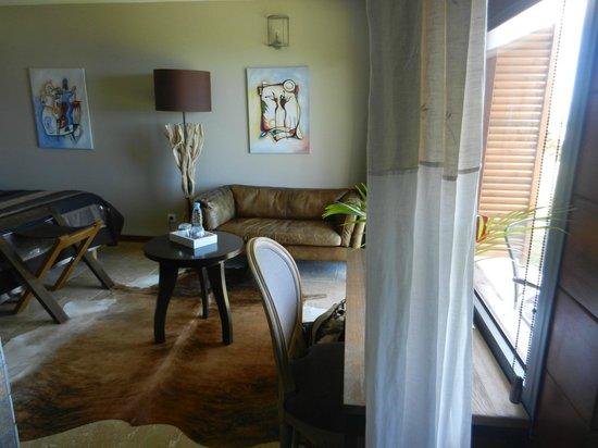 Diana Dea Lodge : La chambre depuis la salle de bain