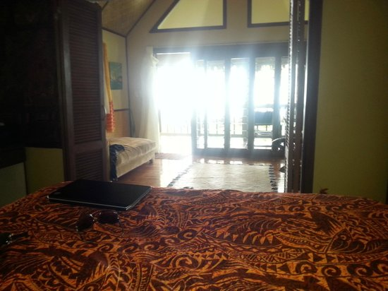 Le Vasa Resort: View from bed Oceanview fale No. 3