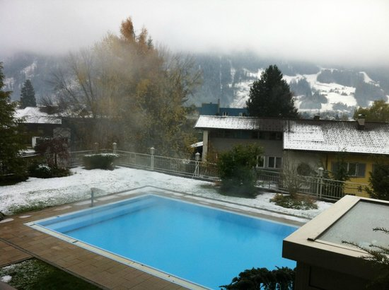 outdoor pool bild von l wen hotel montafon schruns tripadvisor. Black Bedroom Furniture Sets. Home Design Ideas