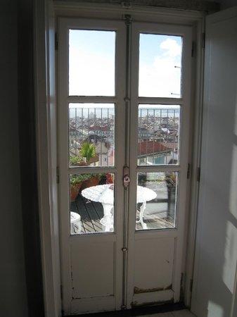 Lisbon Rooftops Guest House: vue de la terrasse.