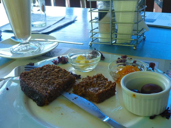 The Blue Cow: Delicious health bread, artistic plating