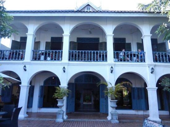 Villa Santi Hotel : la facade