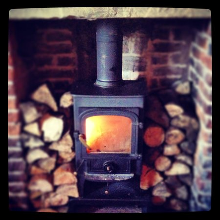 The Cross Keys: Cosy fire