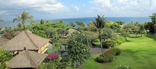 AYANA Resort and Spa: Blick von der Club Lounge aufs Meer