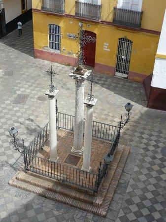 Hotel Patio de las Cruces: Patio de las cruces visto dalla stanza