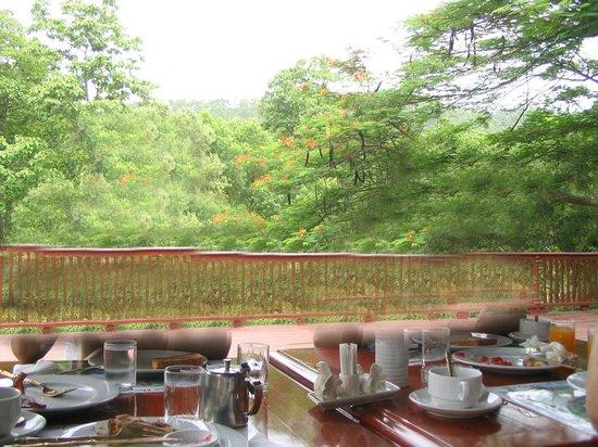 Imperial Mae Hong Son Resort: vistas desde el comedor