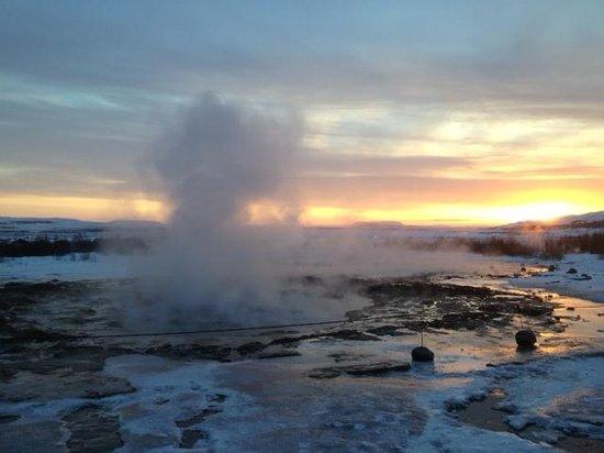 Pink Iceland Day Tours: Geyser !