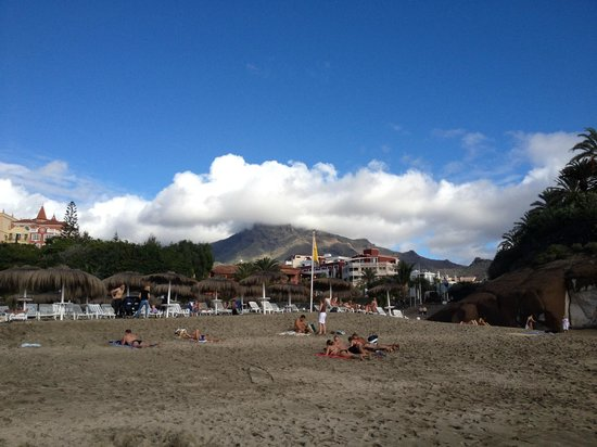 Gran Tacande Wellness & Relax Costa Adeje: nice view from Beach to Teide