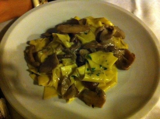 Ristorante La Piccionaia: tagliatelle ai funghi
