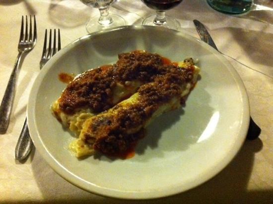 Ristorante La Piccionaia: cannoli al ragu