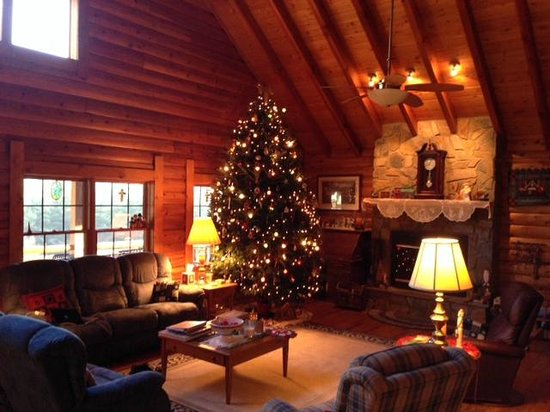 Glade Valley, Kuzey Carolina: The Lodge decorated for Christmas