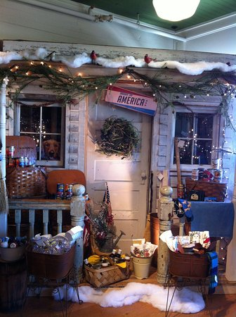 Bush's Beans Visitor Center: Nice gift shop decorations