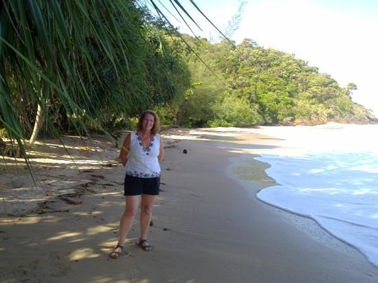 LaLaanta Hideaway Resort: The beach to the south