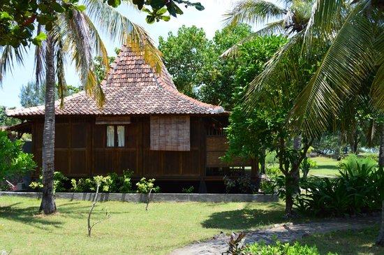 Desa Dunia Beda Beach Resort: Our hut