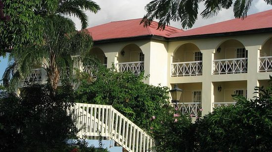 Sandals Montego Bay: SeaGrapes Building