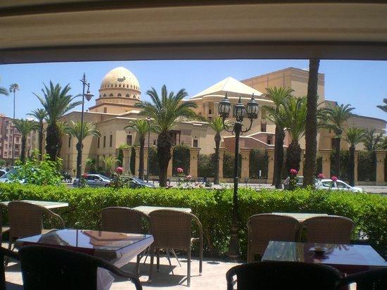 Mogador Opera: ресторан в здании гостиницы