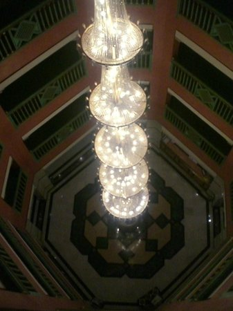 """Mogador Opera: """"колодец"""" отеля"""