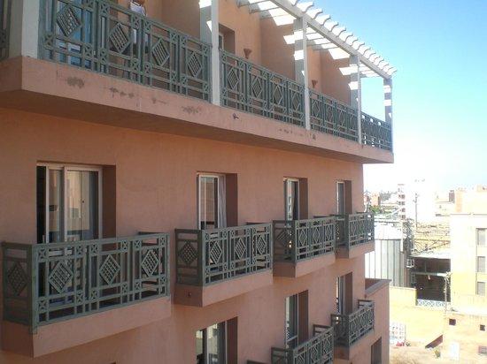 Mogador Opera Hotel: вид из окна