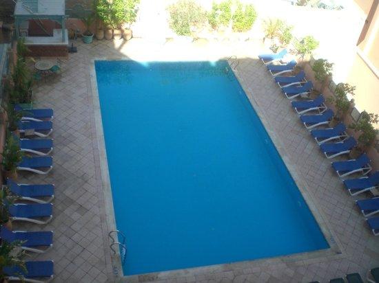 Mogador Opera Hotel: бассейн
