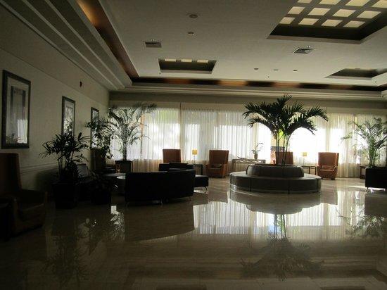 Holiday Inn Port of Miami Downtown: Áreas internas