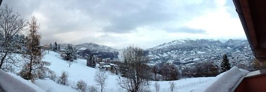 """Locanda del Biancospino : Panoramica dalla Camera """"Il Frassino"""" dopo una bella nevicata."""