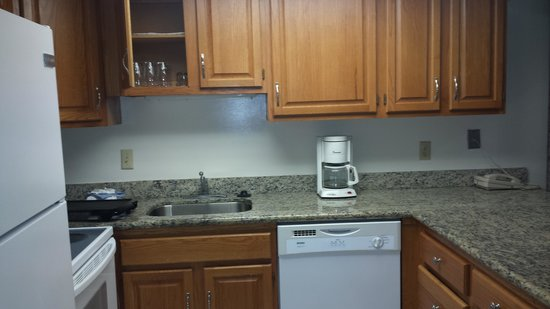 Marigot Beach Suites : kitchen