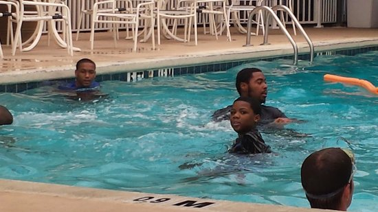 Marigot Beach Suites: pool at clarion